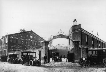renault factory_1906