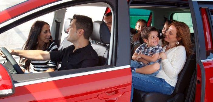 Dziewięć miesięcy za kierownicą – porady dla przyszłych mam
