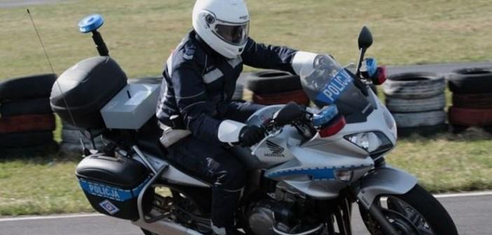 Wypadek w kolumnie policyjnych motocykli – efekt domina
