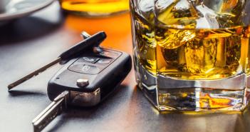 Samochodem po zakrapianej imprezie – ilu Polaków ryzykuje?