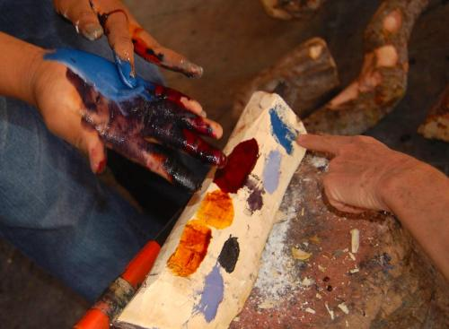 Claudia Brewer Michel. How to make the colors of Mexico. Studio of Jacabo Angeles, San Martin Tilcajete.