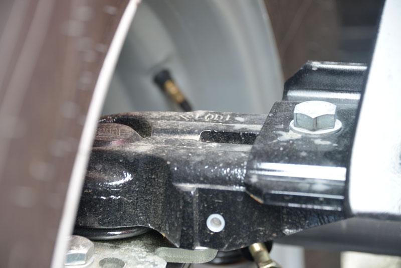 ピボットフェンダーは兄弟車のイセキBIG-Tやクボタ、ニューホランド、そして一部のJDにも採用されているLODIちゃんです!