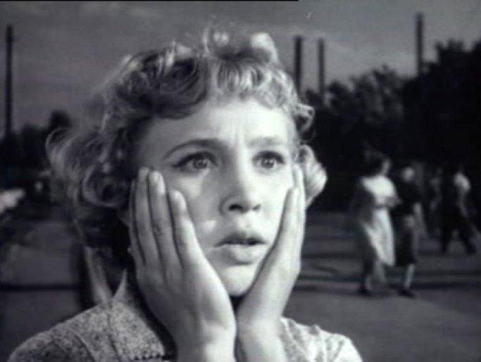 На самом пике популярности эта красавица-актриса исчезла с экранов.