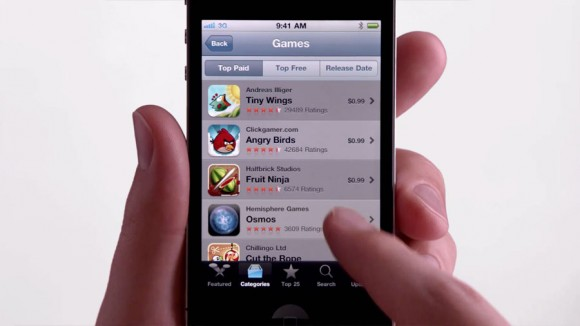 App Store, Apple iPhone 4 Game Center TV Ad   Obama Pacman