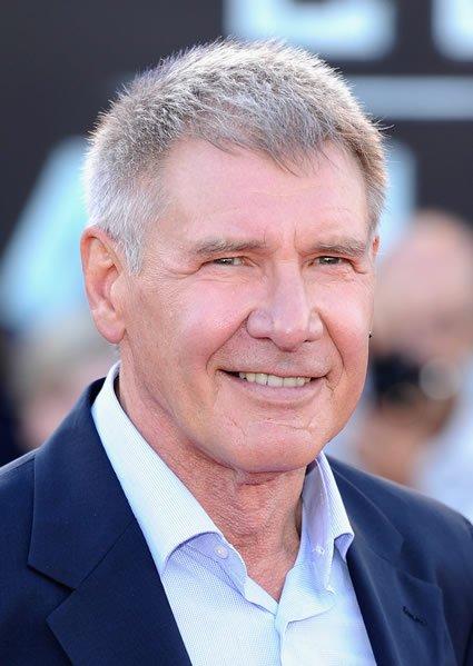 Harrison Ford - Eternizado como o aventureiro Indiana Jones, o sorrisinho sempre torto confere ao ator o ar selvagem capaz de fazer qualquer uma rezar para se meter em apuros no meio da floresta e ser salva por ele.