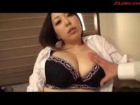 40歳の豊満な熟女妻が夫婦生活に飽きて浮気相手とラブホで個人撮影をしてるセックス動画無料