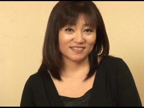 熟年離婚後にAV出演しておめこの快感におもらししてしまう五十路熟女の日活 無料yu-tyubu