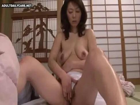 性欲を我慢できず息子の肉棒を咥え近親相姦する田舎の五十路熟女の日活 無料yu-tyubu