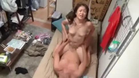 おばさんレンタルで来た豊満熟女を口説いてセックスしていく一部始終を盗撮したおばさん動画