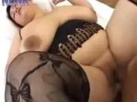 デブ系四十路熟女の大迫力セックスのおばさん動画