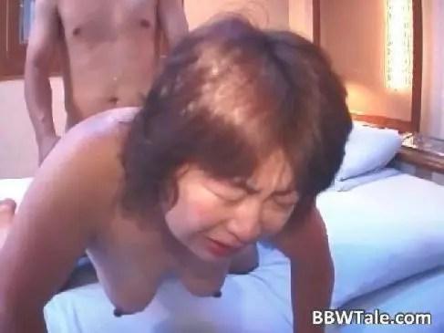 還暦の熟女夫婦がラブホでの性行為を映像に残していて流出してしまう60歳の夫婦生活無料