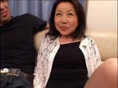 還暦の素人熟女が快感責めで悶える完熟 動画