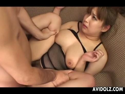 ぽっちゃり系爆乳美熟女が連続生セックスで悶絶絶頂!延々とおまんこをハメられて何度もイっちゃうおばさんの動画