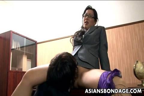 30代後半の妖艶熟女秘書のお仕事は社長の性交の相手で毎日おめこをハメられてるjyukujo動画画像無料日活