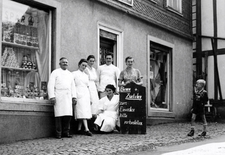 Bäckerei-Wüst-Personal-Anfang-50er-Jahre_0007
