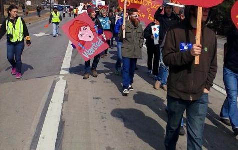 Students, Union Rally for Farmworkers