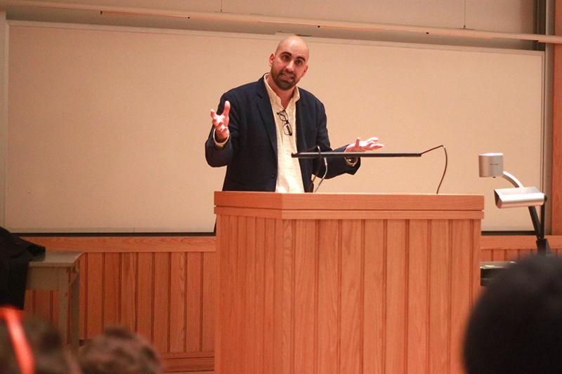 Steven+Salaita%2C+an+academic+and+pro-Palestinian+activist+at+the+center+of+a+Twitter+controversy%2C+who+spoke+at+Oberlin+on+Tuesday+night.