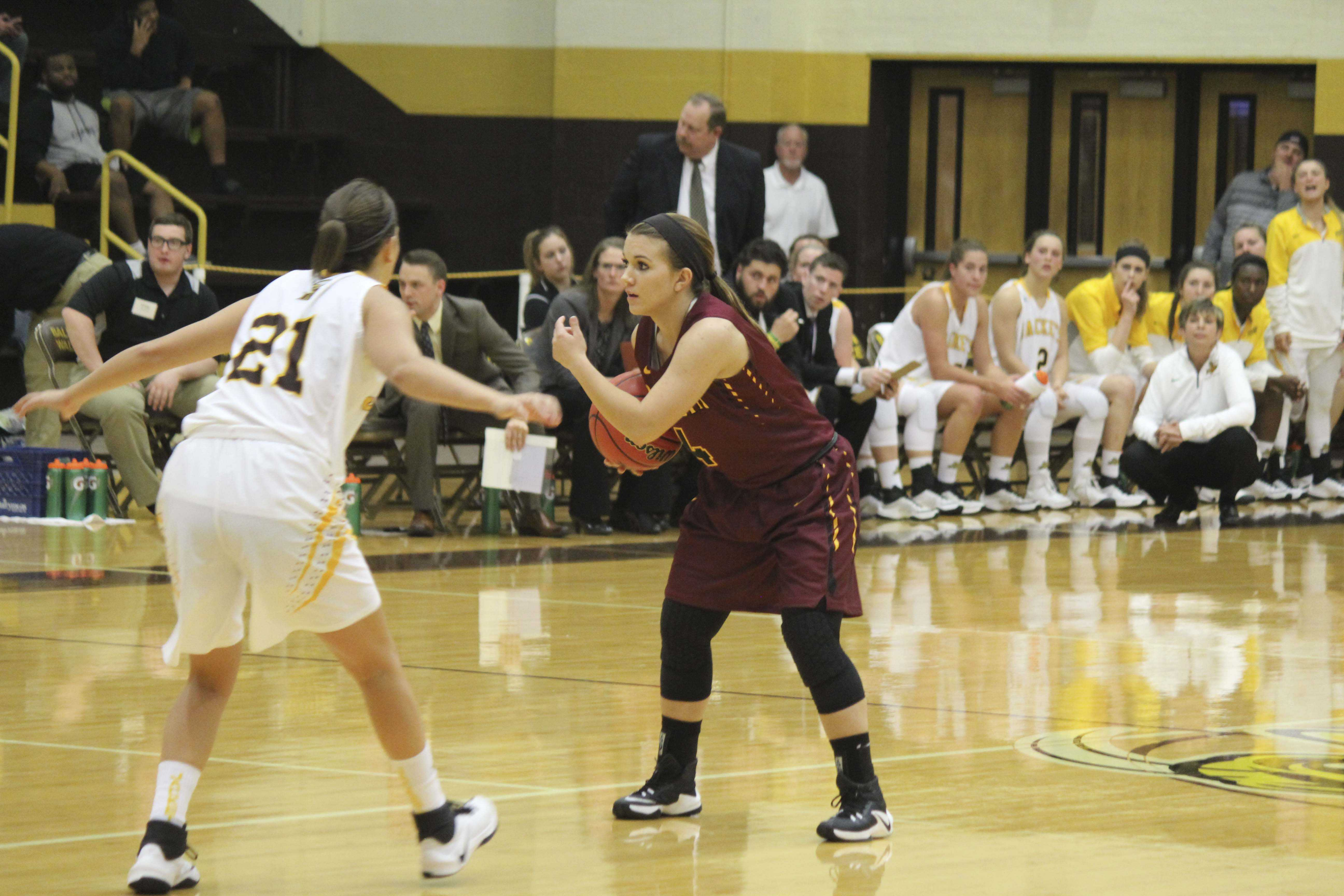 First-year point guard Sarah Thompson looks to make a play in Oberlin's season opener on Tuesday. The rookie-laden Yeowomen fell to Baldwin Wallace University 70–41, but will be back in action against the Hiram College Terriers in Hiram, Ohio, tomorrow.