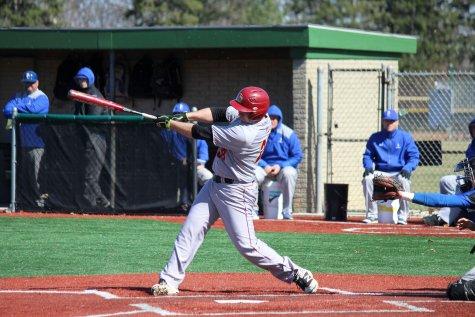Baseball Sweeps Berea in Doubleheader
