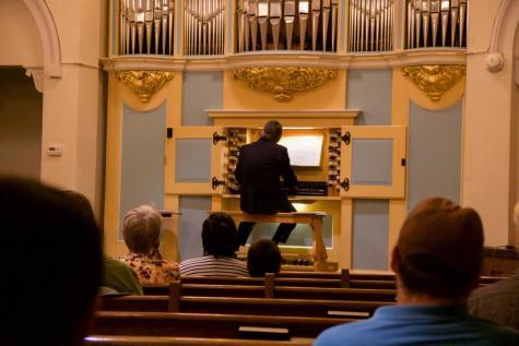 Czech Organist Plays Benefit