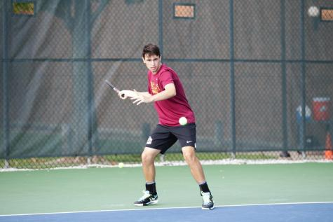 Men's Tennis Gains Momentum, Tops No. 35 Hobart