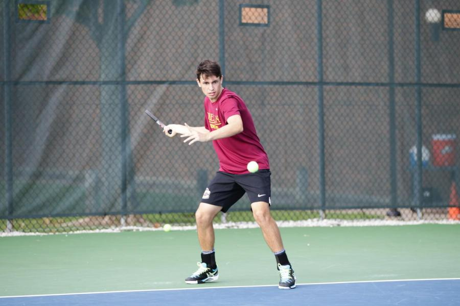 Sophomore+Stephen+Gruppuso+played+a+major+role+in+the+Yeomen%E2%80%99s+victory+over+No.+35+Hobart+College+Sunday.+Gruppuso+and+fellow+sophomore+Camron+Cohen+won+their+doubles+match+in+the+No.+1+spot+7%E2%80%935%2C+which+gave+the+team+momentum+going+into+singles+play.