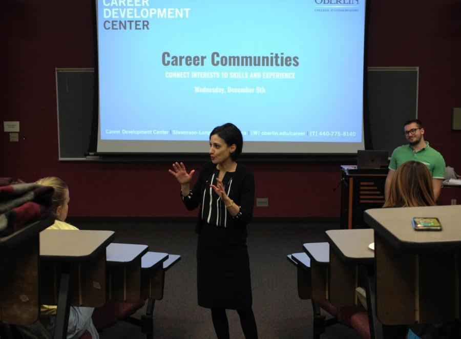 Associate+Dean+of+Students+Dana+Hamdan+explains+the+Career+Communities+initiative+at+an+information+session+Wednesday%2C+Dec.+5+in+King+Building.