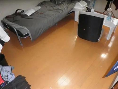 小綺麗に片付いた寮の部屋