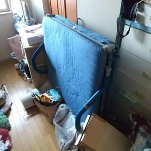 ゴミや不用品が片付かない大阪市北区の汚部屋を片付け回収で改善サポート