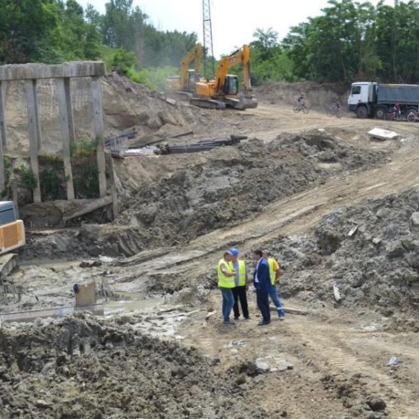 Promisiuni: Podul de la Dridu va fi finalizat înainte de termen