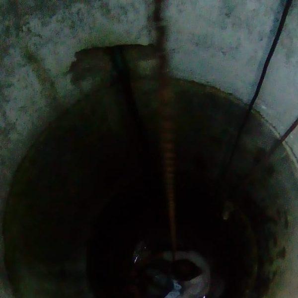 Ialomița: Bărbat căzut într-o fântână adâncă de 10 metri