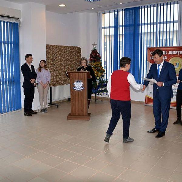 Fetești: Ceremonia de acordare oficială a certificatelor și diplomelor de excelență pentru olimpicii ialomițeni și cadrele didactice îndrumătoare ale acestora