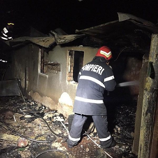 Ialomița: A murit în locuința cuprinsă de flăcări