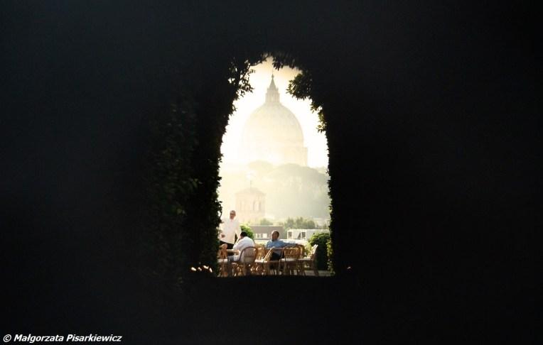 Bazylika św. Piotra przez dziurkę od klucza