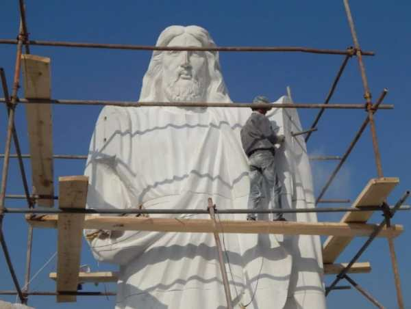jesus-statue.jpg5