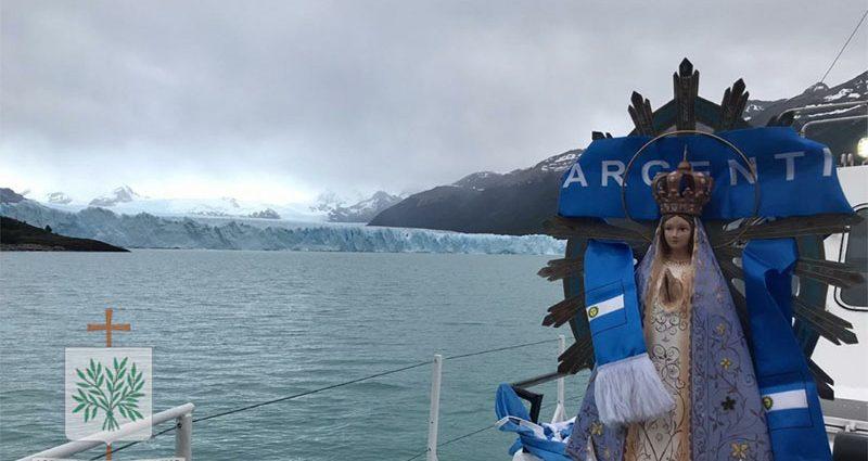 Imagen de Nuestra Señora de Luján en el Glaciar Perito Moreno
