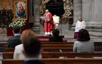 Papa Francisco   El Espíritu Santo nos recuerda que, ante todo, somos hijos amados de Dios; todos iguales, en esto, y todos diferentes