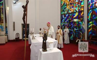 Mons. Olivera   Pedimos a Brochero que se puso la Patria al hombro, renovarnos en el ministerio de rezar por el pueblo, por todos