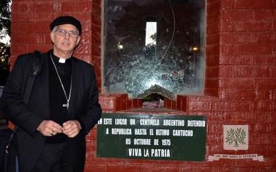 Mons. Olivera   Señor, Tú qué sabes lo efímero de esta vida, bendícenos con tiempos de paz, de verdad y de justicia