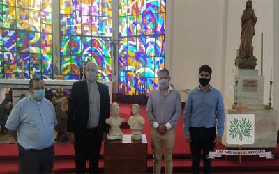 CABA | Peregrinos por Brochero obsequiaron los bustos de San Martín y San José Gabriel del Rosario Brochero, que serán trasladados a la Antártida Argentina