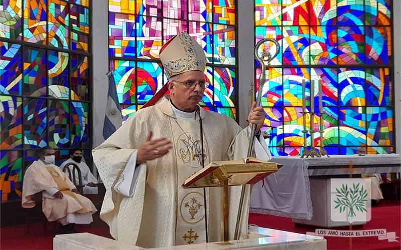 Mons. Olivera   Un cristiano tiene que transmitir el gozo, porque caminamos con la certeza de que el Señor está siempre