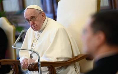 Papa Francisco | La oración purifica el corazón, y con eso, aclara también la mirada, permitiendo acoger la realidad desde otro punto de vista
