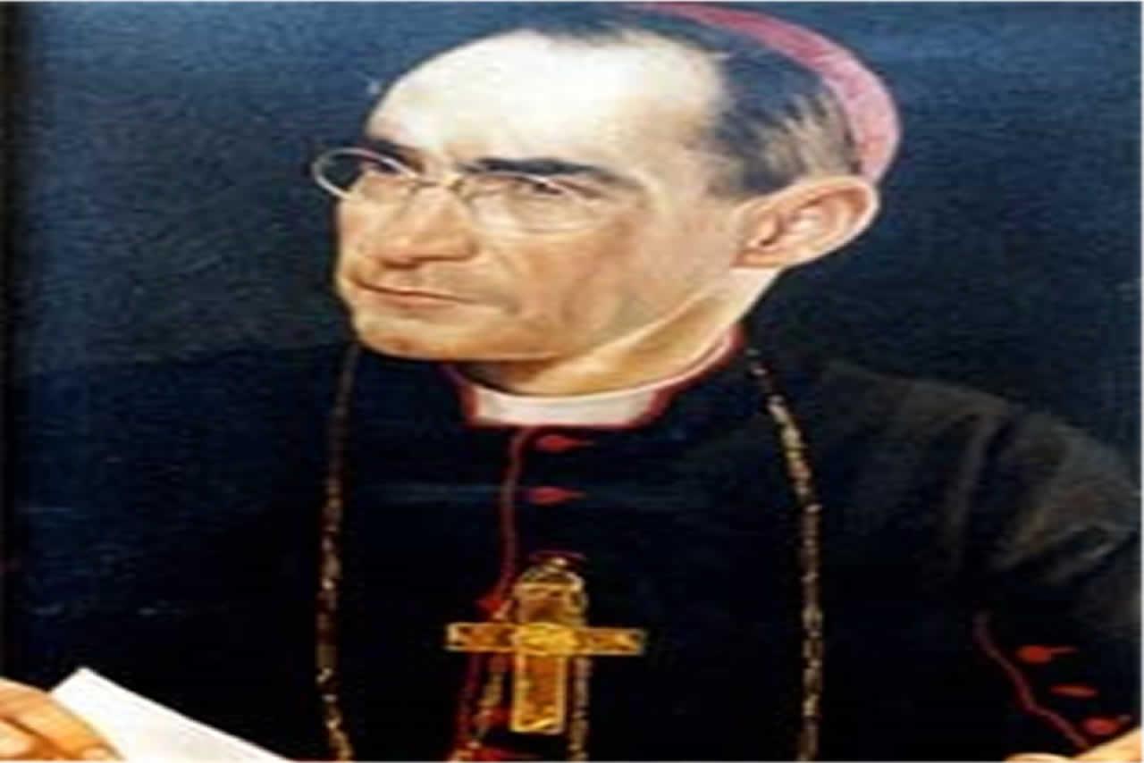 Nació el 26 de agosto de 1896 en Santiago. Ordenado sacerdote en Roma el 3 de abril de 1920. Elegido Obispo de Linares el 23 de febrero de 1935.Consagrado en la Catedral de Santiago el 28 de abril de 1935, por el Nuncio Mons. Ettore Felici. Tomó posesión de su Diócesis el 12 de mayo de 1935. Trasladado como Arzobispo a La Serena el 8 de enero de 1940.