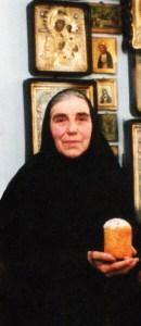 Старшая сестра подворья, схимонахиня Онуфрия
