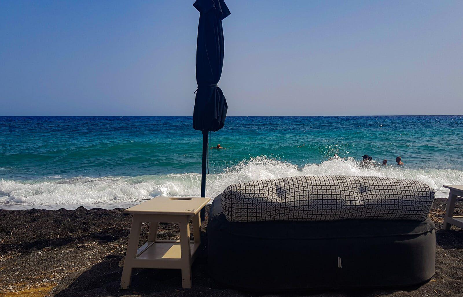 Beach bar Perissa