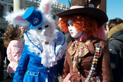 http://couturecrazybynath.blogspot.ch/