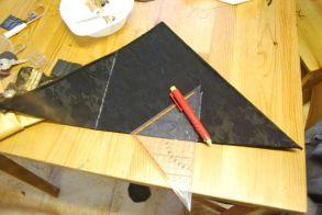 On ouvre le triangle et on trace une perpendiculaire à l'hypothénuse depuis chaque repère tracé précédemment