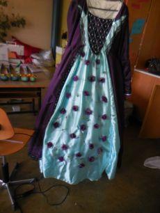 La robe de Solène n'est pas encore terminée