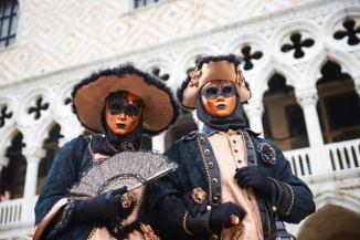 Schwarz oranges Gewand orange Maske 0203