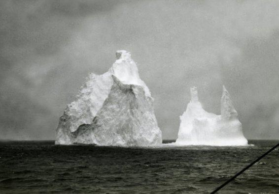 Iceberg_Le Pourquoi pas_© Louis Gain_Météo-France_courtesy MIMDI